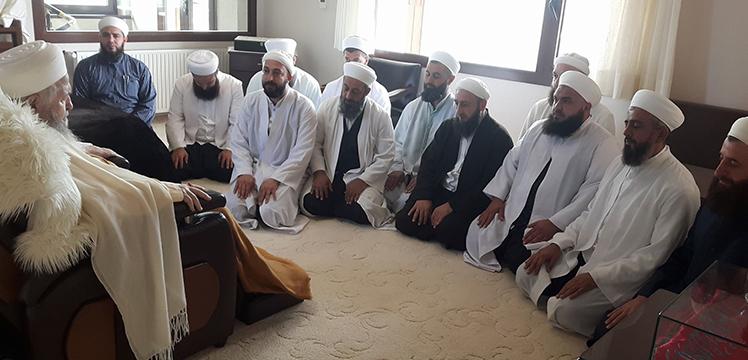 Karagümrükten Emre Hocanın arkadaşları...